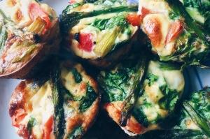 Ei muffins met groene asperges