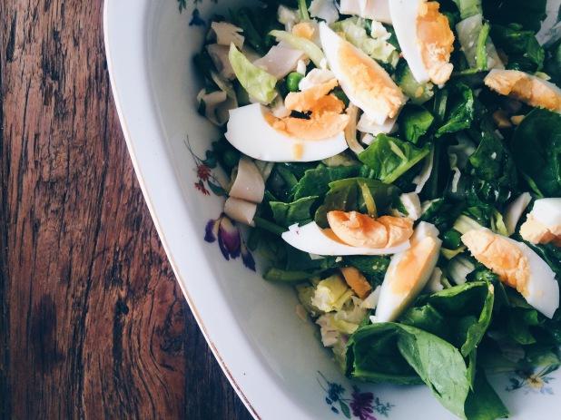 Salade met groene groentes